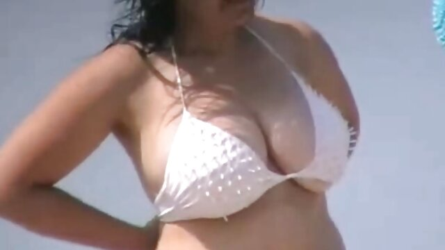 Hombre joven con una mamá madura anime porno subtitulado le da un buen creampie