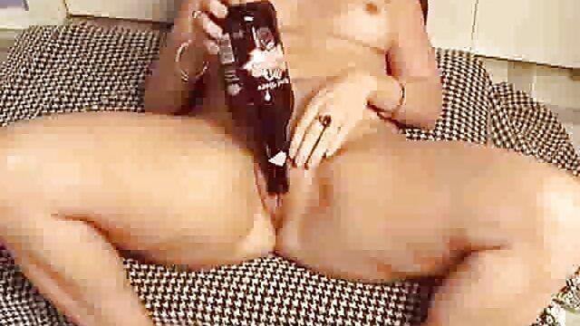 Yanks Latina Mya Valdez vaporiza hentai tentaculos sub español la cámara