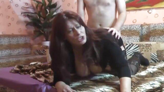 Falso Taxi Sexy Holland dama con falda corta y medias hentai subtitulado al español
