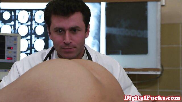 SQUIRTING con un enorme consolador Latina videos xxx hentai sub español caliente
