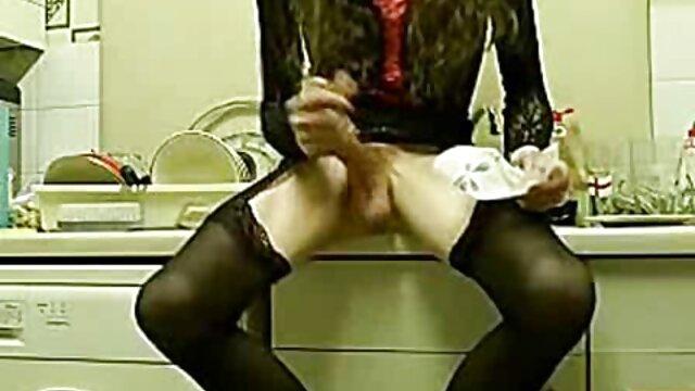 adolescente con espectáculo hentai con subtitulos en español de pies de vidrio
