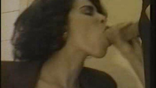 Mofos - Adolescentes varados - Eva Berger - Animadora sexo subtitulado español pelirroja Ge