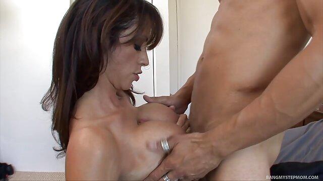 Sexy rubia perra videos de sexo subtitulados en español